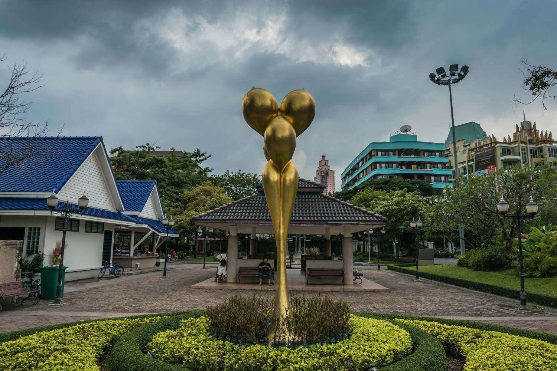 Sculptuur in het Benjasiri Park in Bangkok