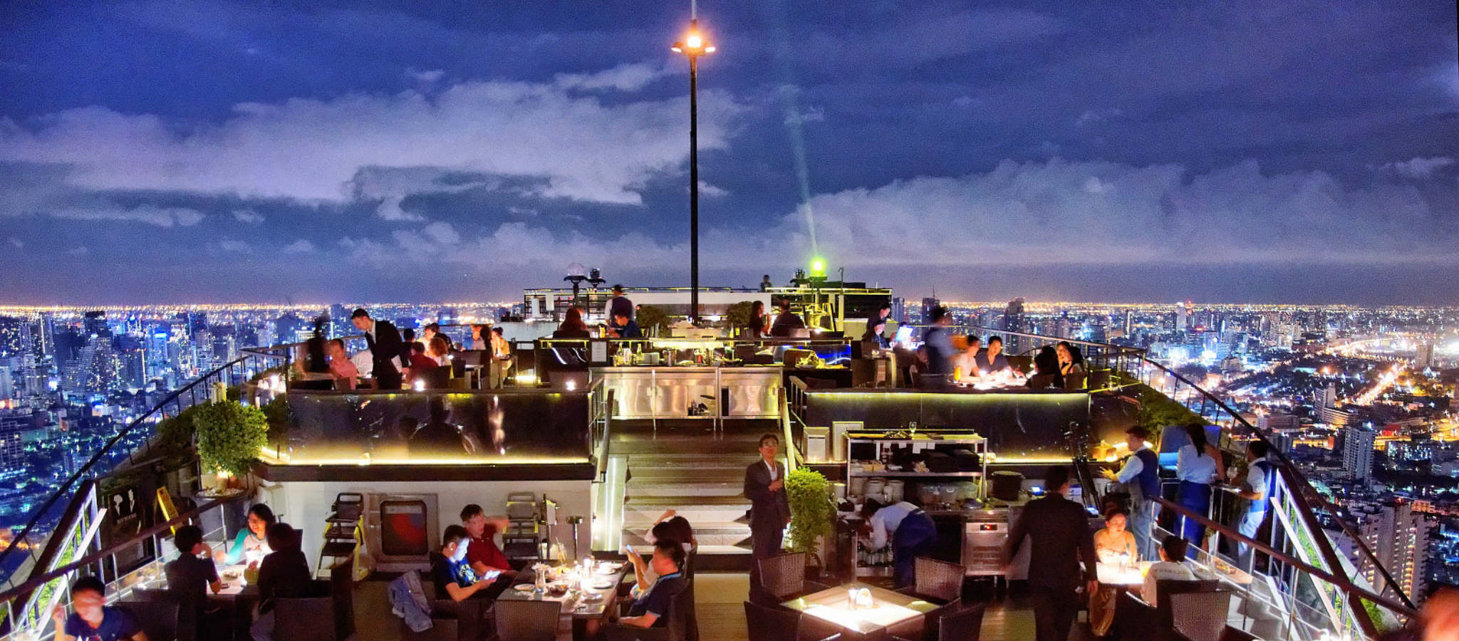 Restaurant van Vertigo & moon met uitzicht over Bangkok
