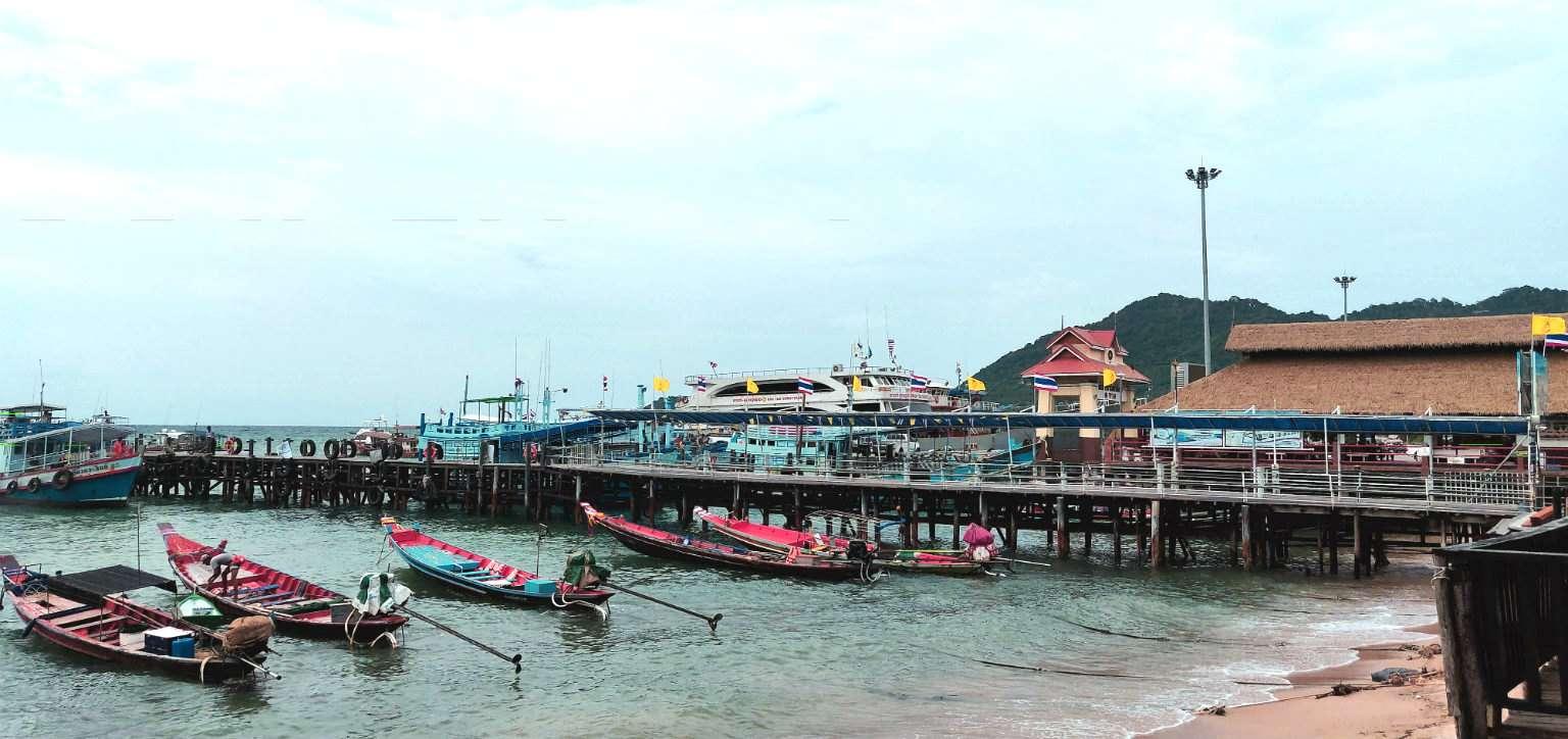 Ko Tao Mae Haad Pier in Thailand
