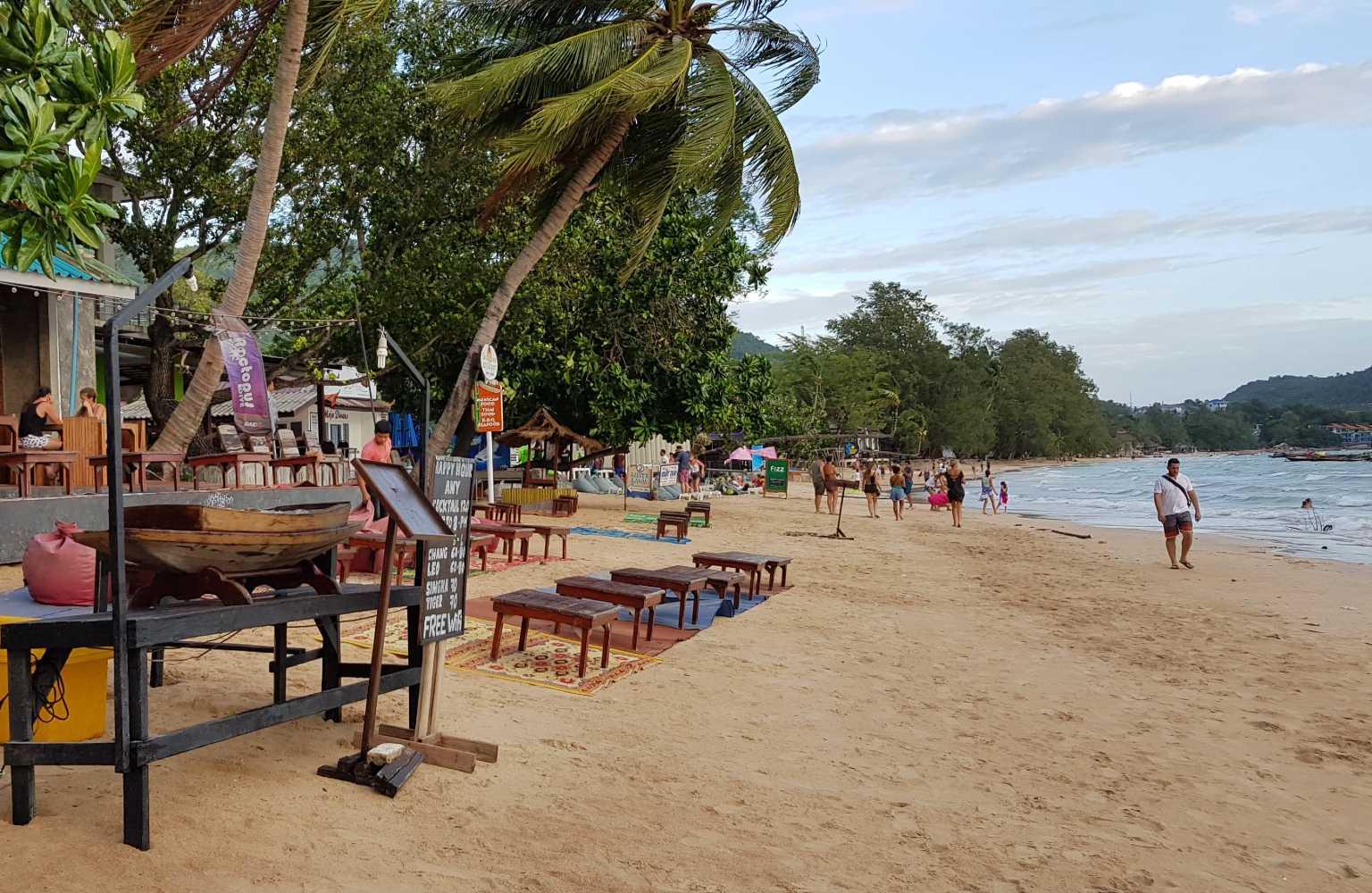 Het strand van Sairee Beach op Koh Tao, Thailand