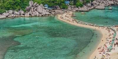 Strand En Eilanden Vanaf Bovenaf Van Koh Nang Yuan In Koh Tao, Thailand