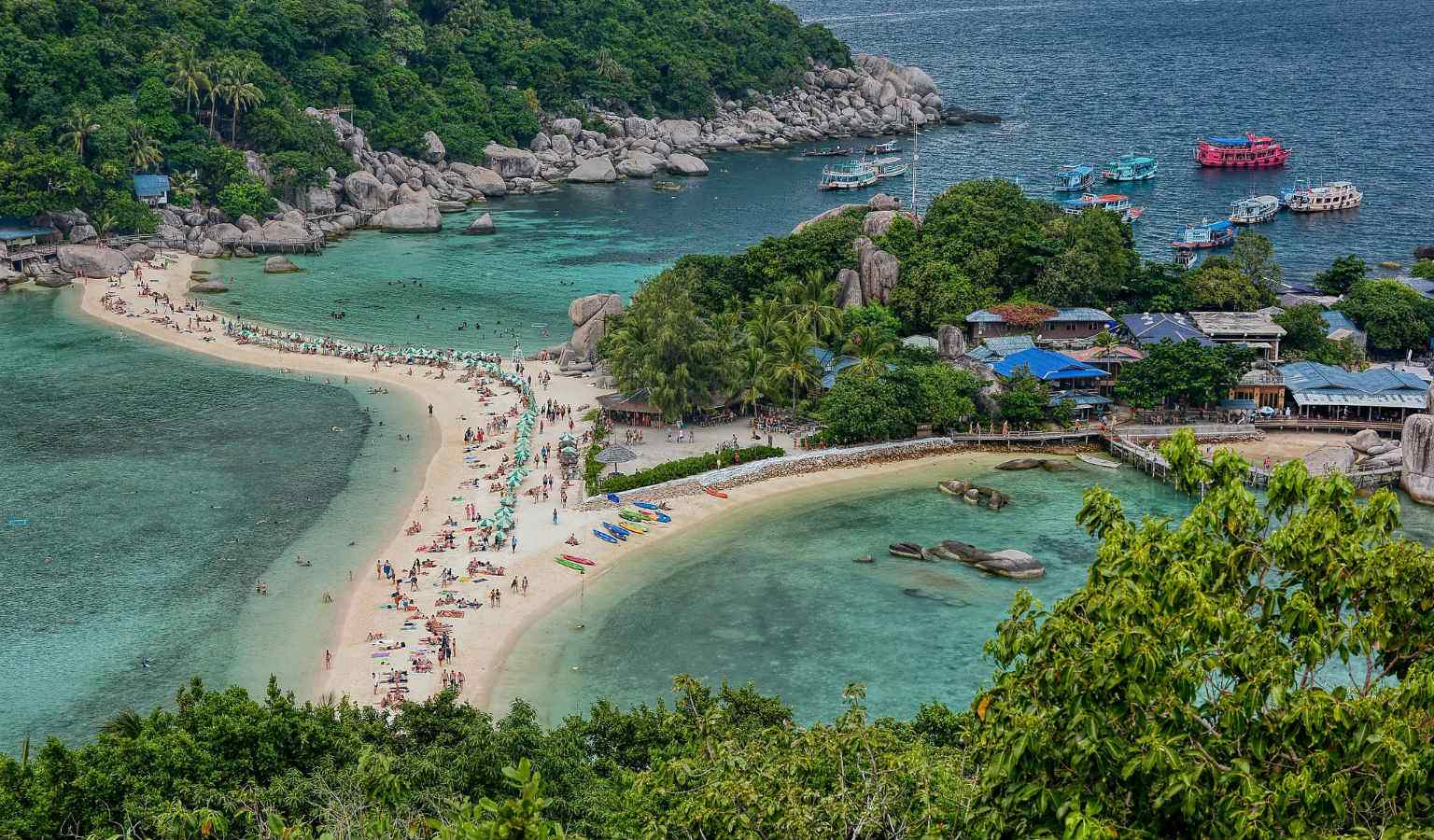 Koh Nang Yuan (belongs to KohTao) seen from a distance