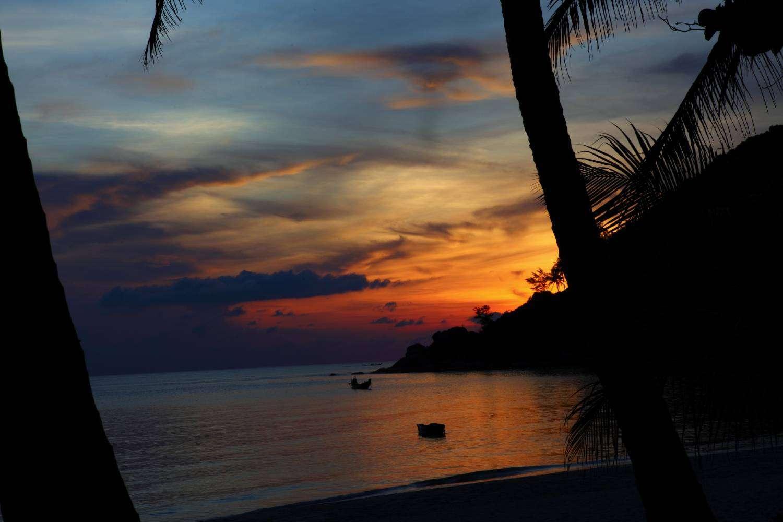Zonsondergang op Bottle Beach in Koh Tao