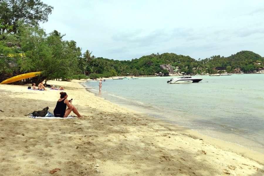 Chalok Baan Kao Bay in Koh Tao bij hoog water