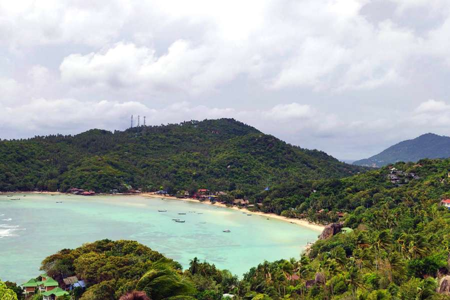 Chalok Baan Kao Bay seen from John Suwan viewpoint on Koh Tao