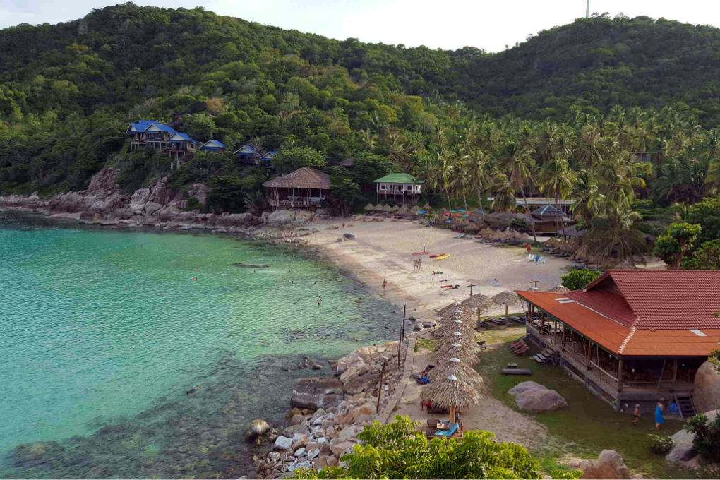 The bay of Aow Leuk in Koh Tao