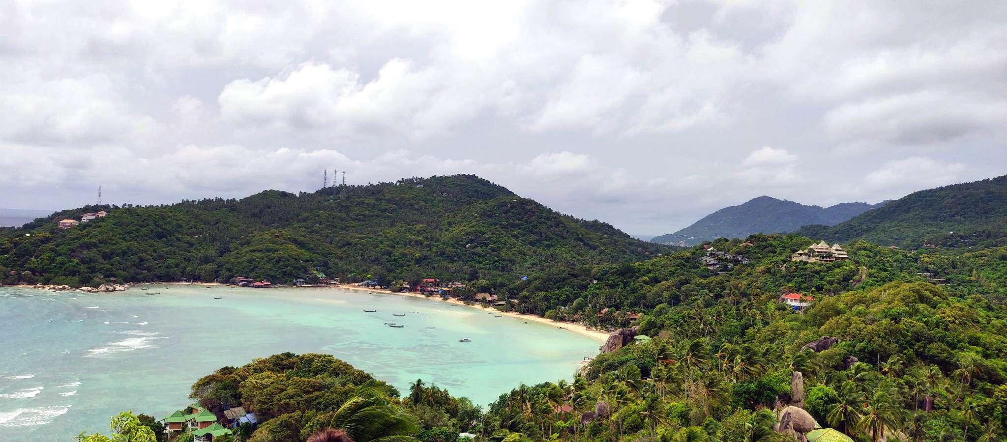Chalok Baan Kao Bay strand vanaf viewpoint