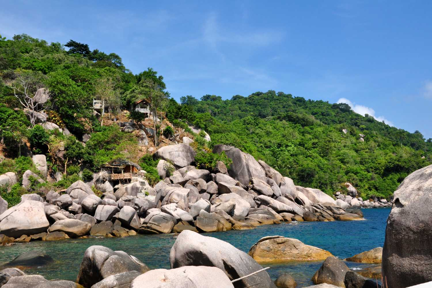 Rocks at Hin Wong Bay on Koh Toa