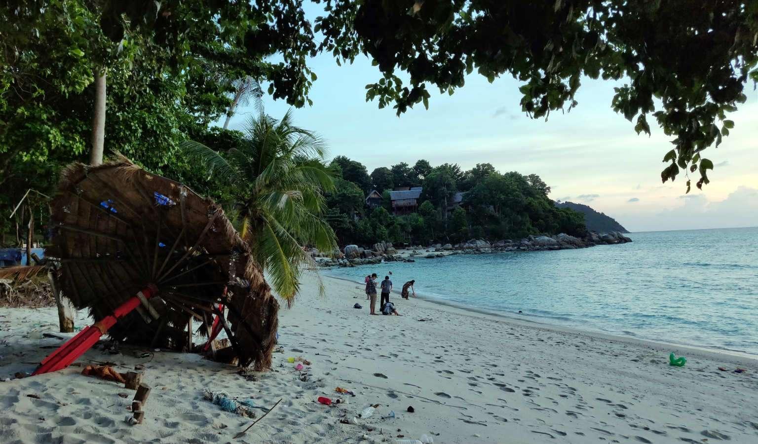 Sunset Beach in Ko Lipe, Thailand