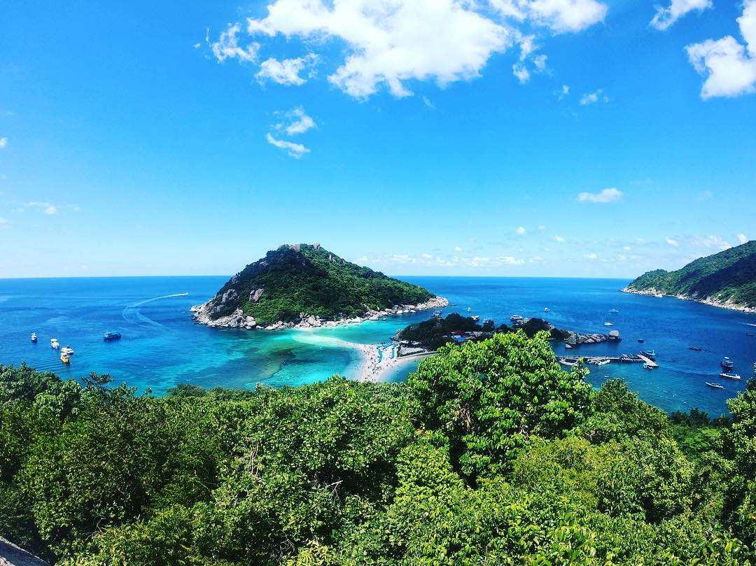 Koh Nang Yuan seen from the Koh Nang Yuan Viewpoint