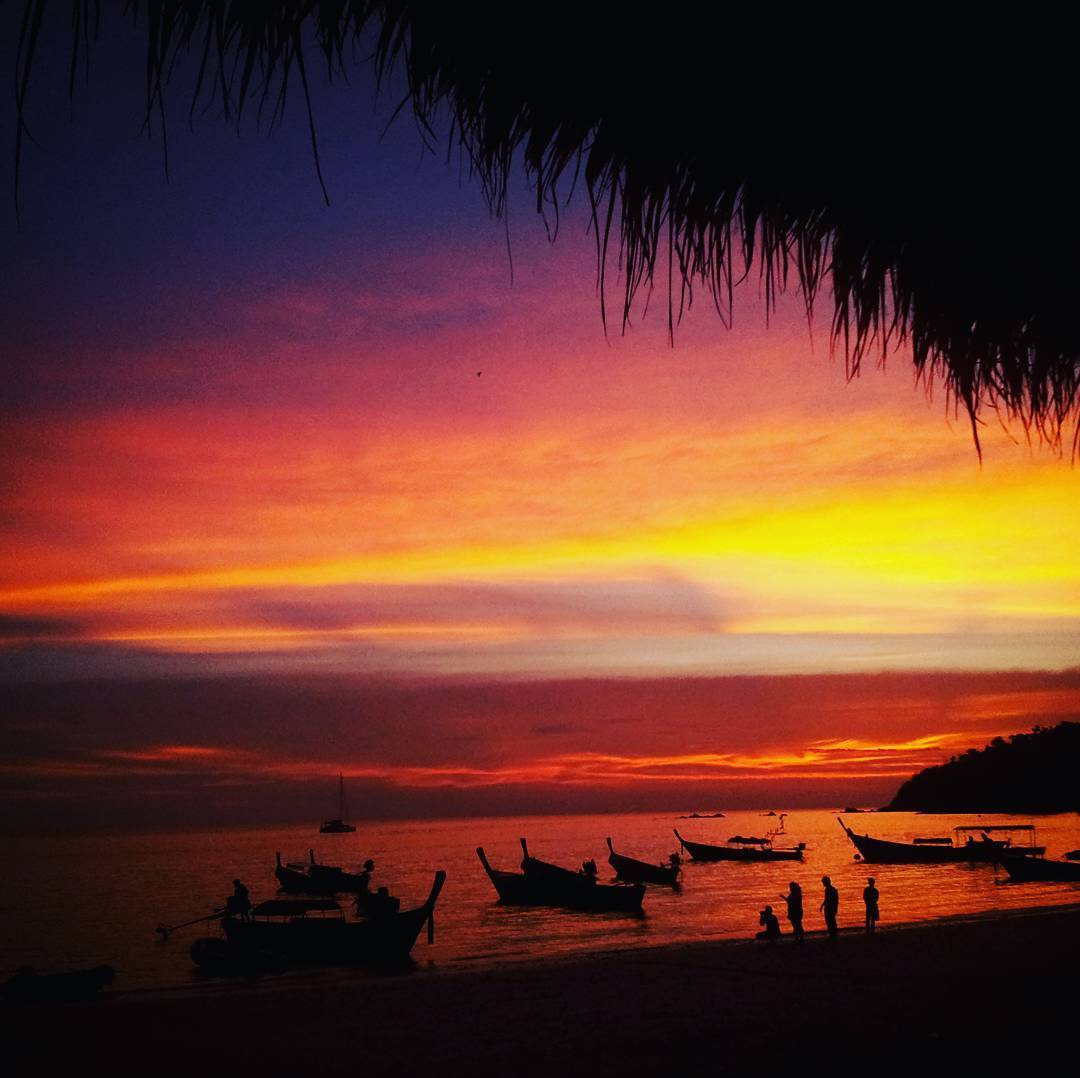 Sunset overlooking Pattaya Beach, Koh Lipe