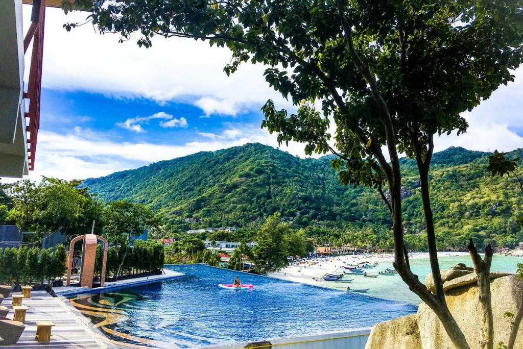 Skymoon Resort overlooking Haad Rin Nok in Koh Phangan