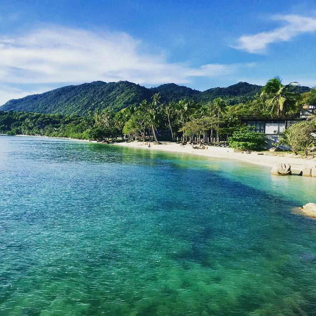 De baai van Leela Beach op Koh Phangan, Thailand