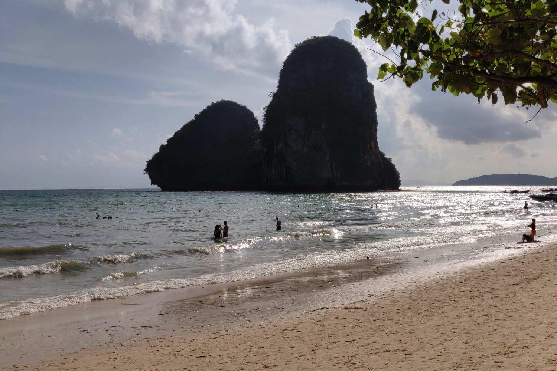 Ao Phra Nang Beach op Railay vlakbij Krabi Town