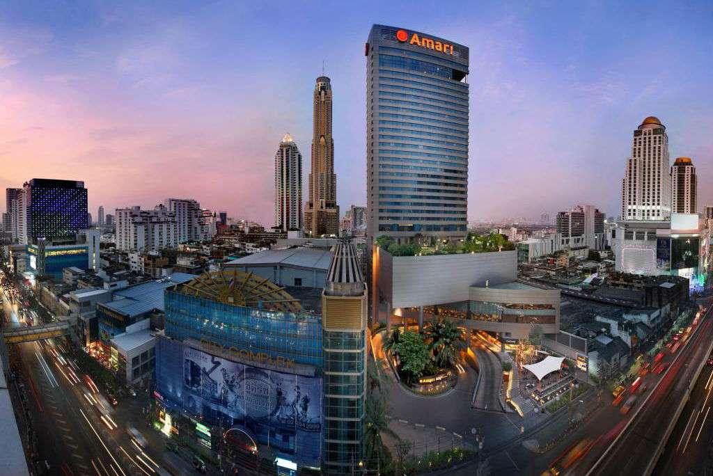 Uitzicht op het Amari Watergate Hotel in het Pratunam gebied van Bangkok, Thailand