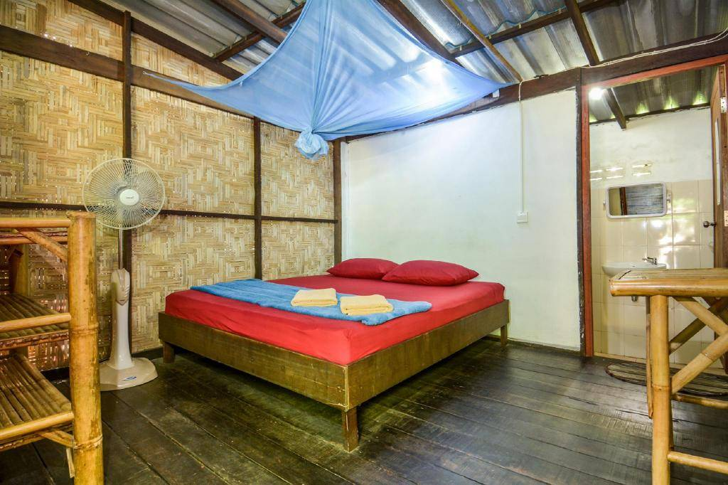 Inside cabin of Family Song (one of the Best hotels on Koh Lipe)