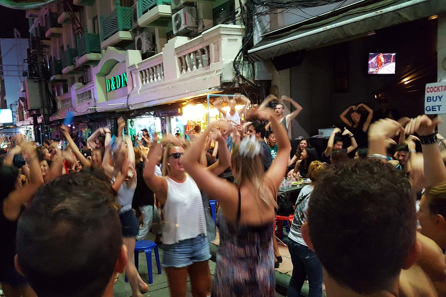 Hey Macarena op Khao San Road in Bangkok
