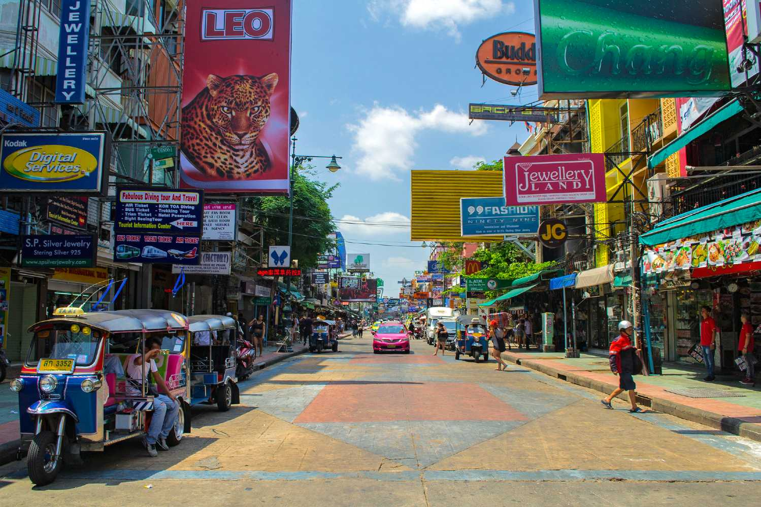 A normal day on Khao San Road