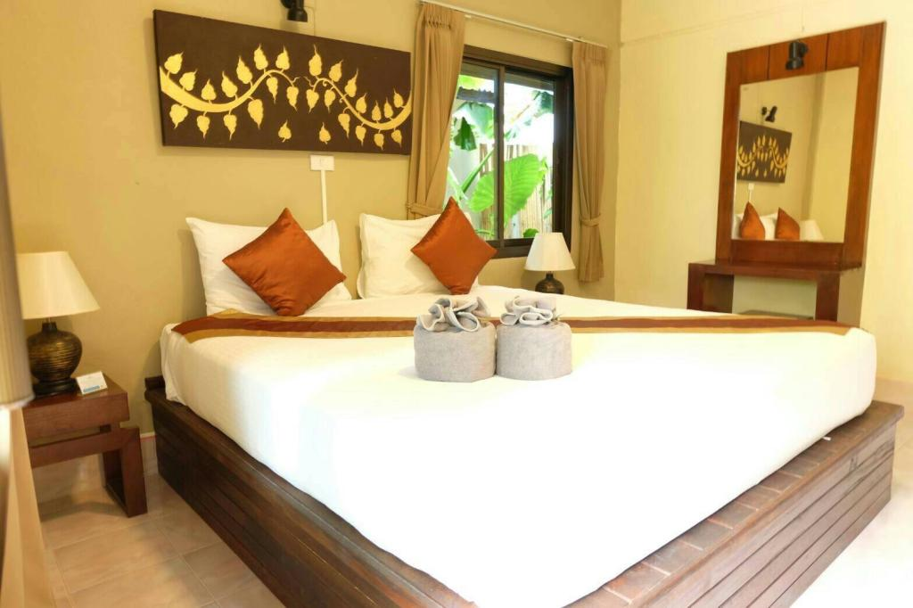 Bedroom of the Wapi Resort (one of the Best hotels on Koh Lipe)