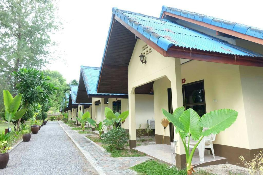 Bungalow of the Wapi Resort (one of the Best hotels on Koh Lipe)