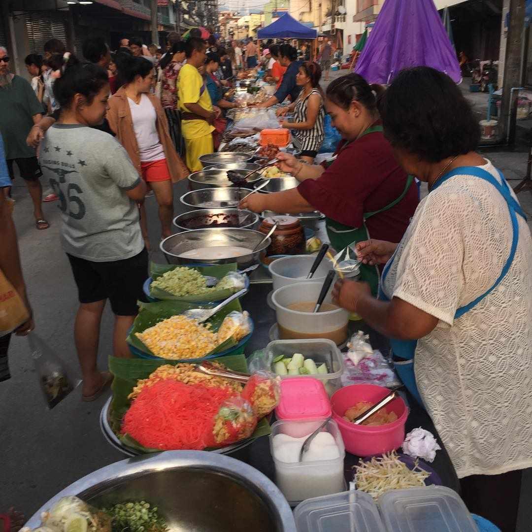 Pantip Markt in Thong Sala Town