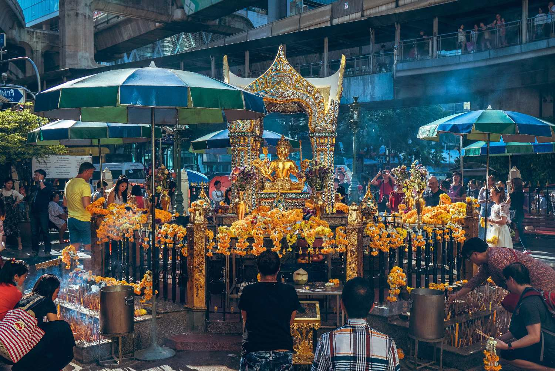 De Erawan Shrine in Bangkok, Thailand