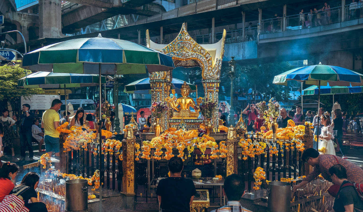 De Erawan Shrine in Bangkok, Thailand