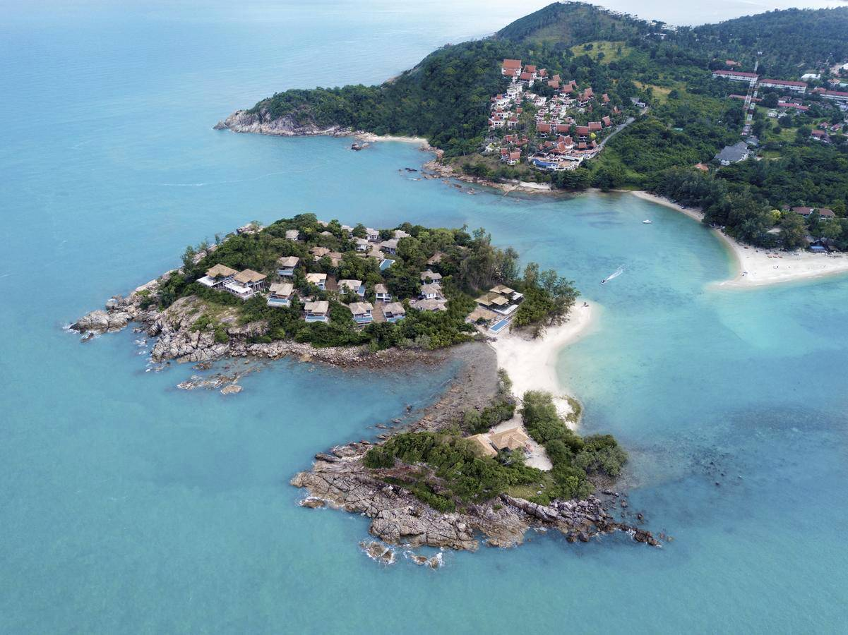 The two islands Koh Fan Yai and Koh Fan Noi with villas with private pools of the luxury Cape Fahn Hotel, opposite Choeng Mon Beach, Koh Samui.