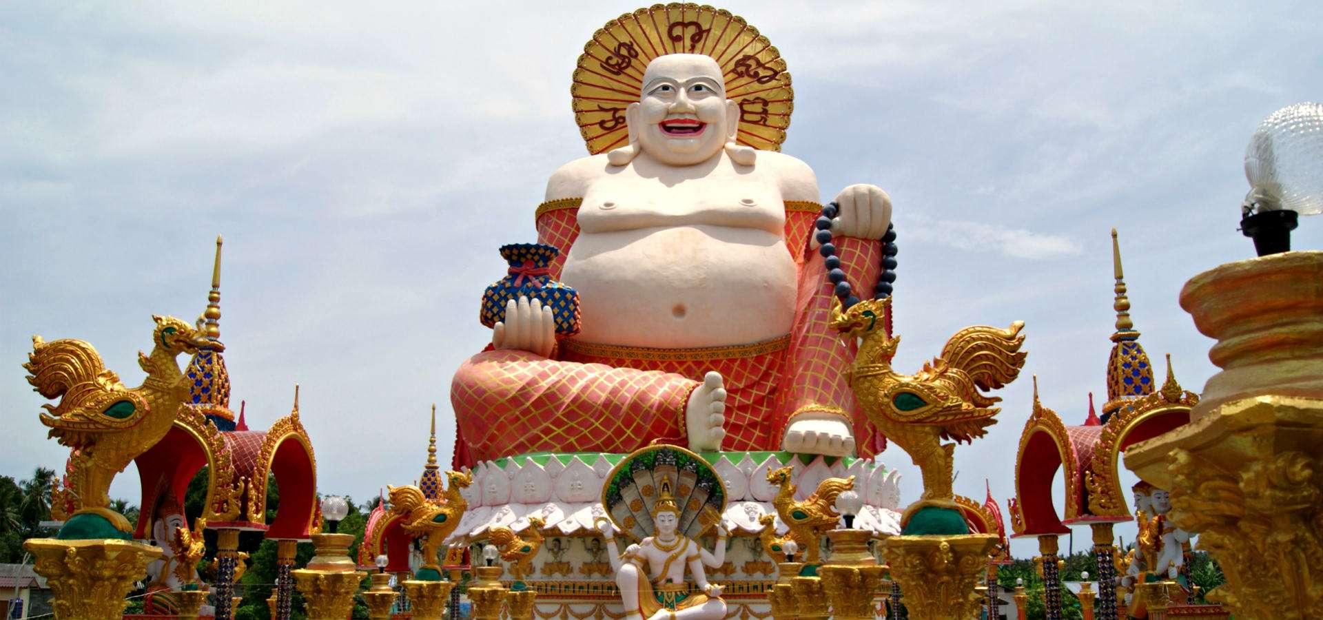Wat Plai Laem Tempel, grote dikke lachende Boeddha op Koh Samui in Thailand