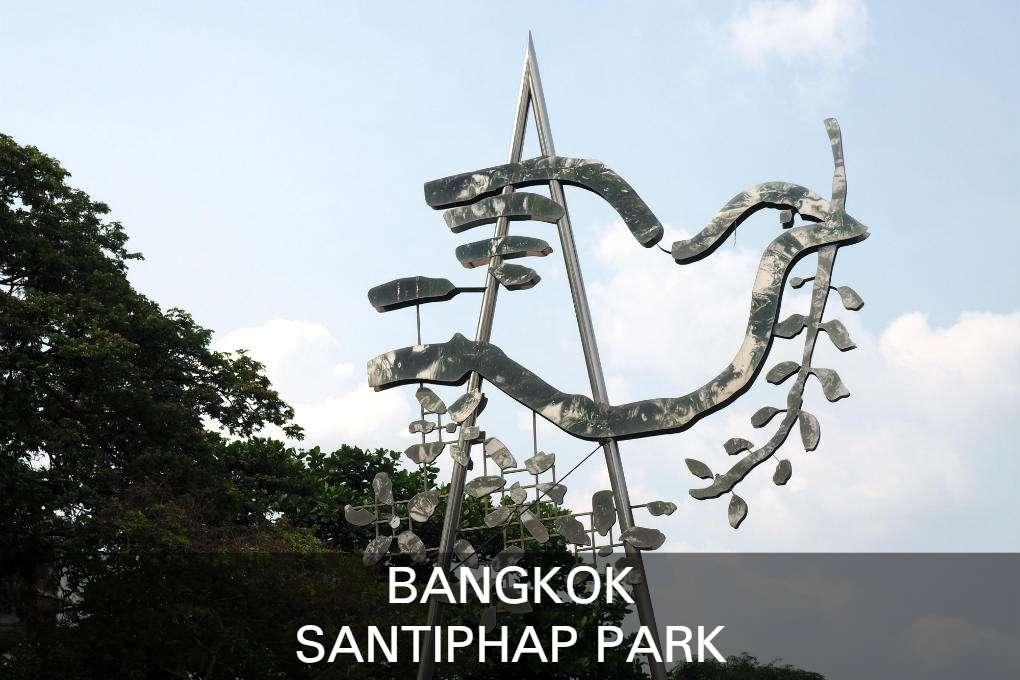 Lees Hier Alles Over Het Santiphap Park In Bangkok, Thailand