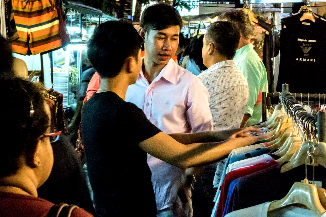 Verkoper op de Patpong Market in Bangkok