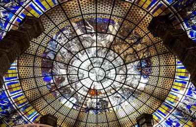 Plafond Van De Binnenkant Van De Driekoppige Olifant Van Het Erawan Museum In Bangkok In Thailand.