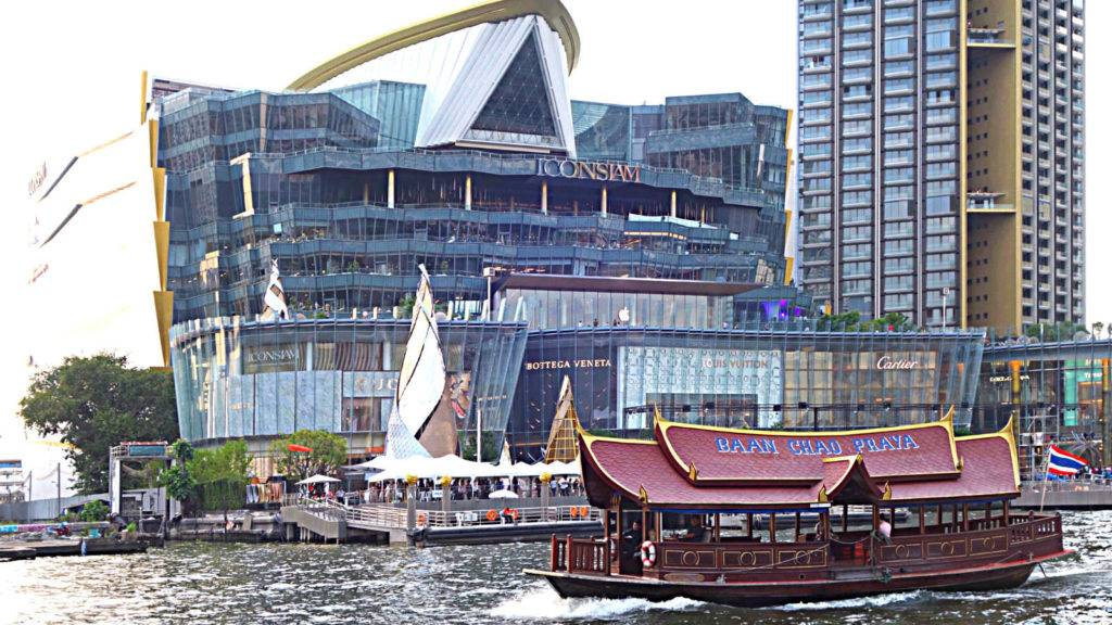 ICONSIAM, Modern shopping mall with lots of glass on the Chao Phraya River