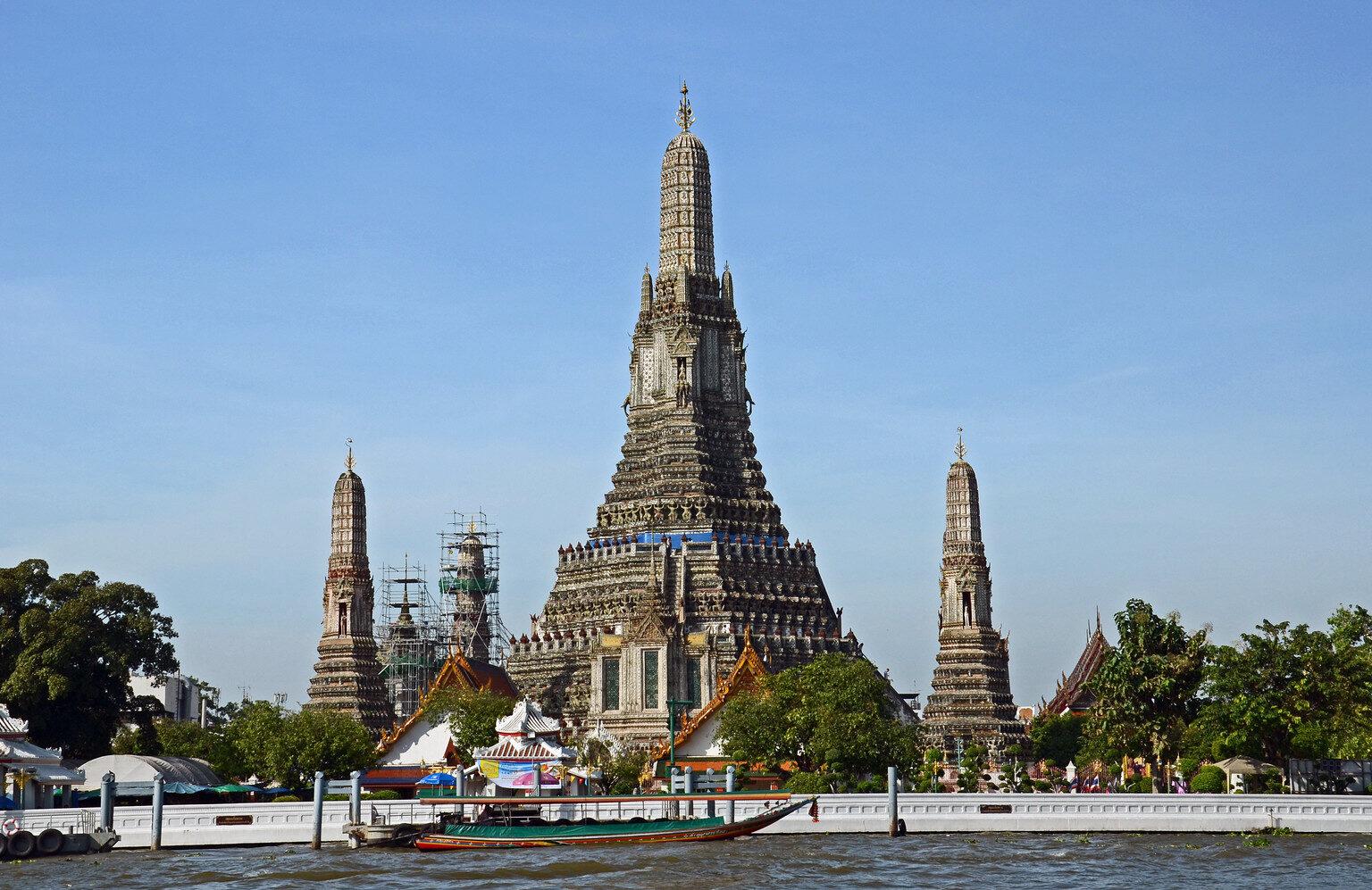 Tempel aan de rivier van Bangkok