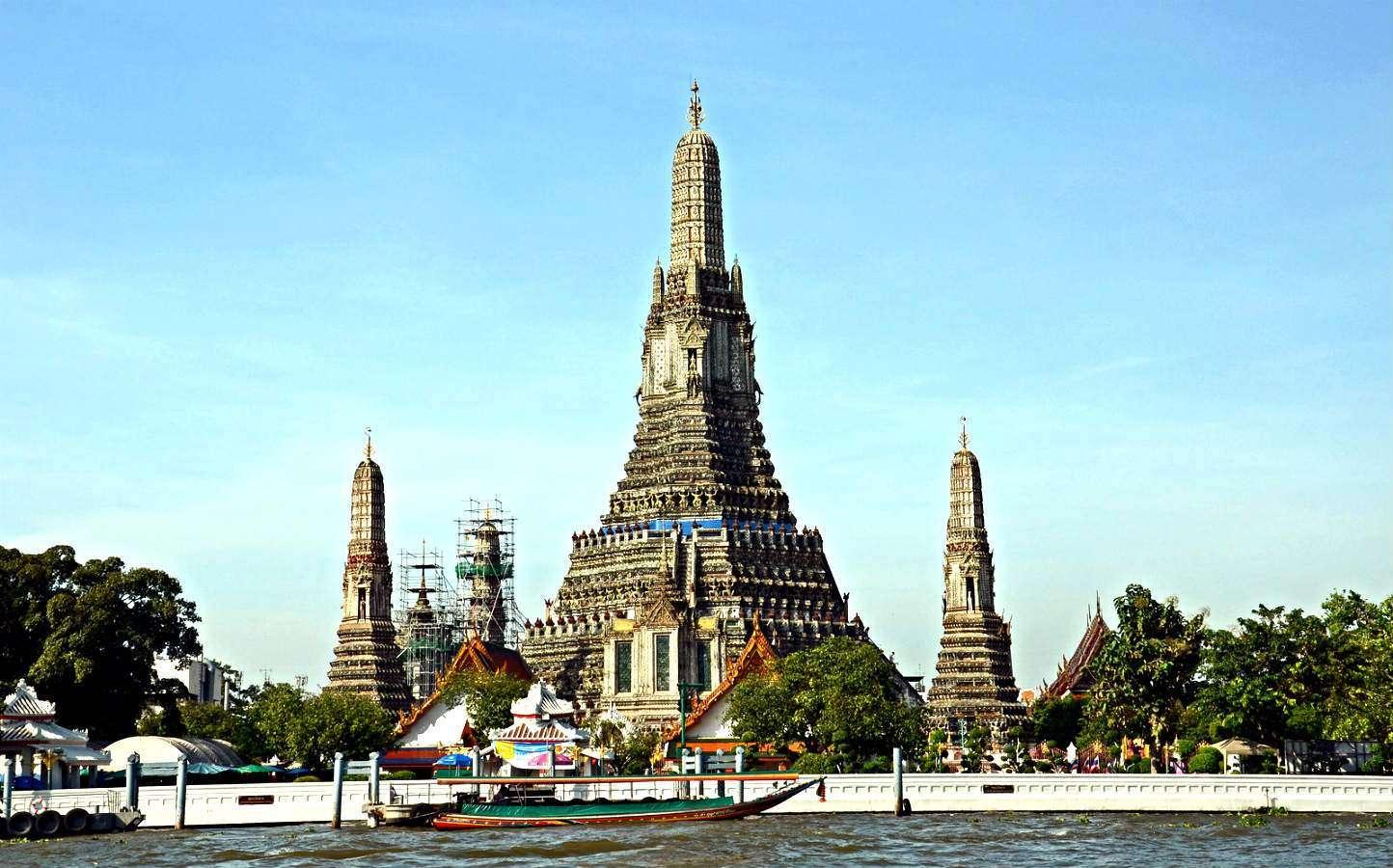 Wat Arun, temple of dawn, striking building on the Chao Phraya River in Bangkok