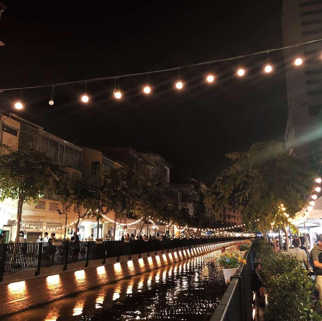 Ang Ang Canal in Chinatown (Bangkok) 's avonds