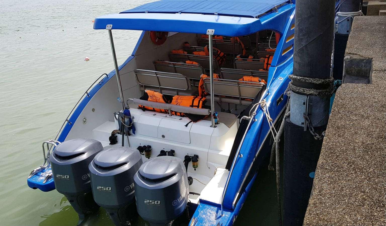 Speedboot die je vanaf Pak Bara pier naar Koh Lipe vervoert