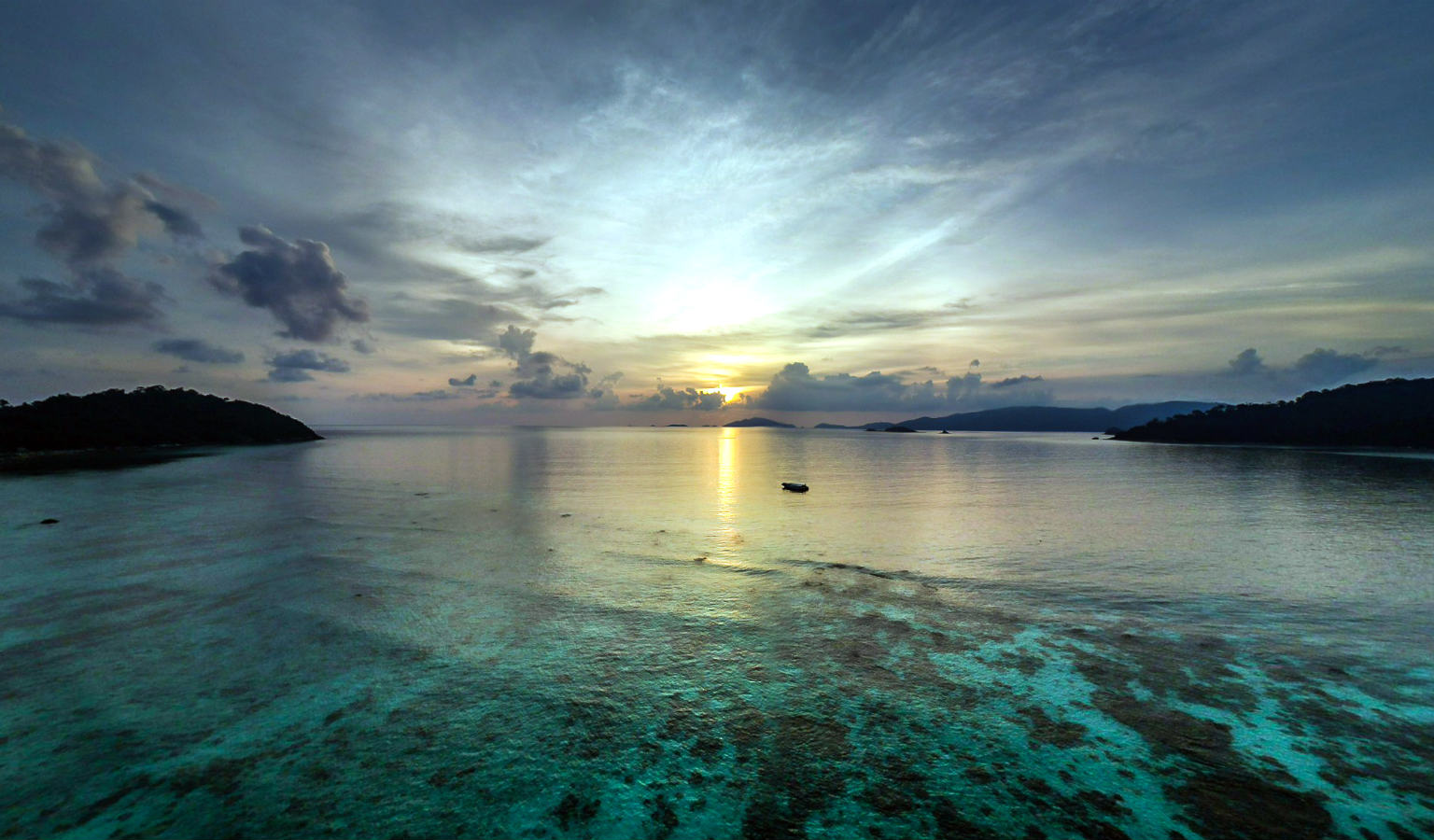 Het prachtige water van Koh Lipe in Thailand