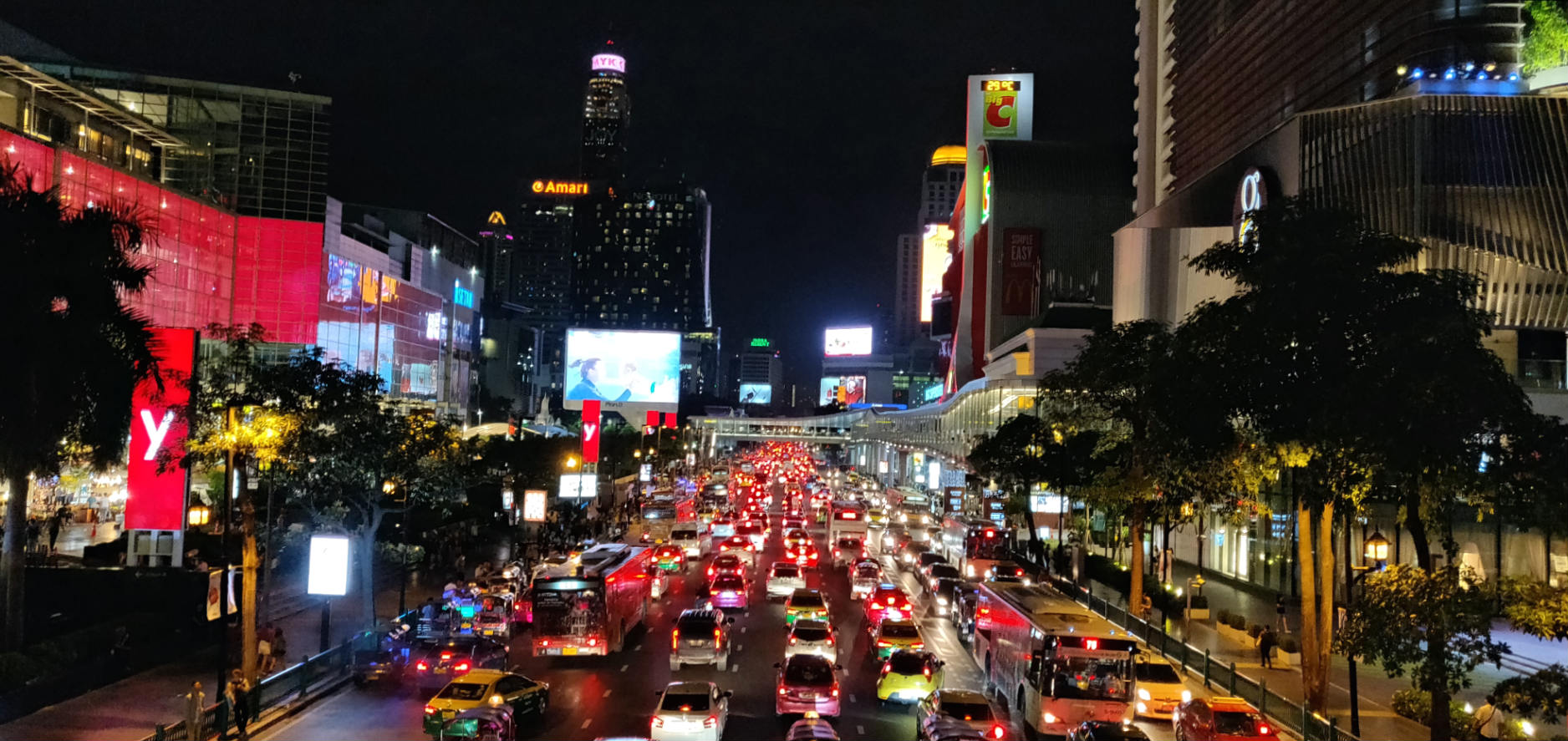 Siam Square Bangkok, heavy traffic during rush hour in the city center.