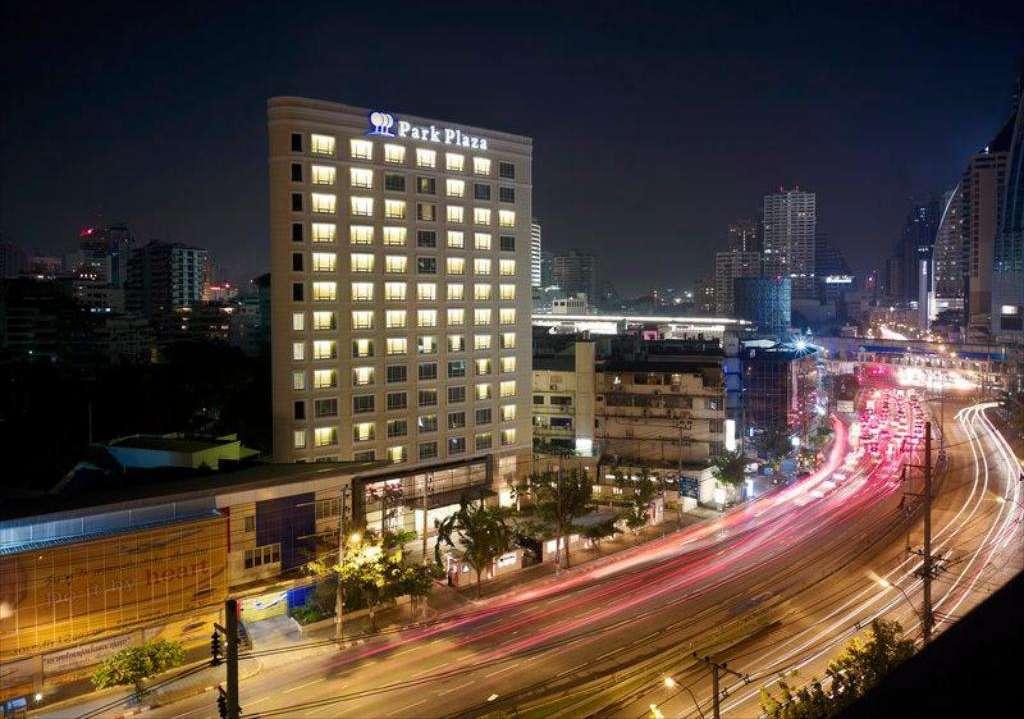 Het Park Plaza Sukhumvit in het Asok gebied van Bangkok