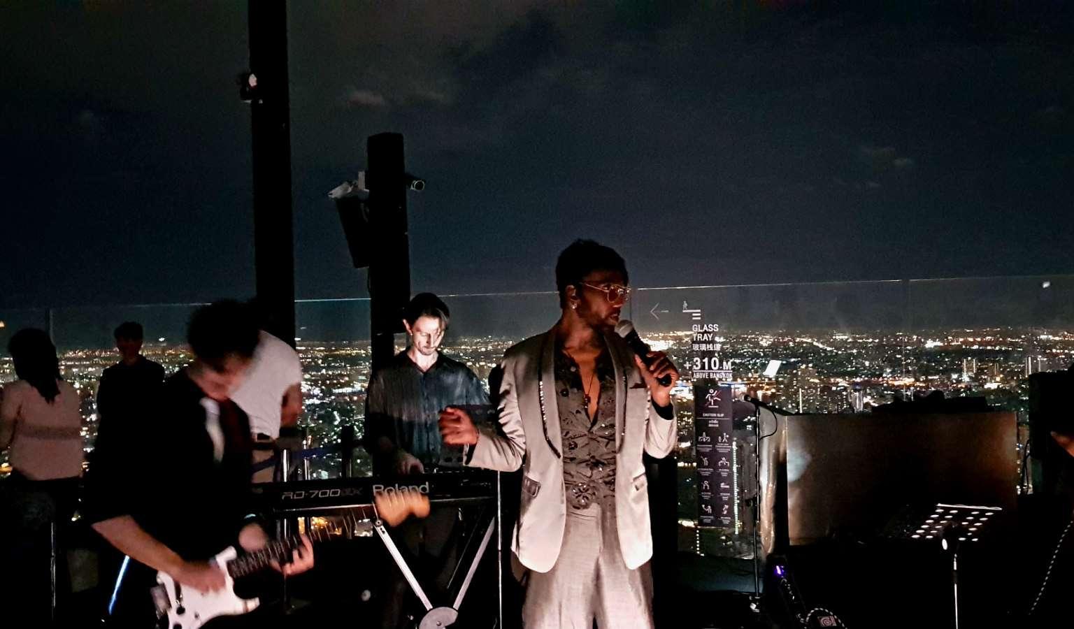Cover Band bij de Sky Walk Bangkok