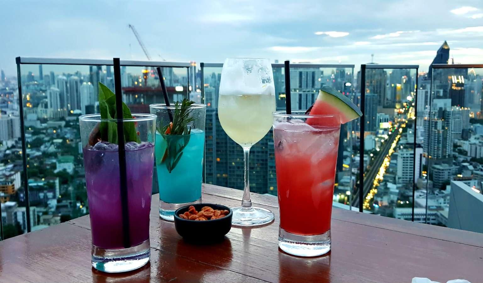 Cocktails bij Octave Rooftop lounge en Bar