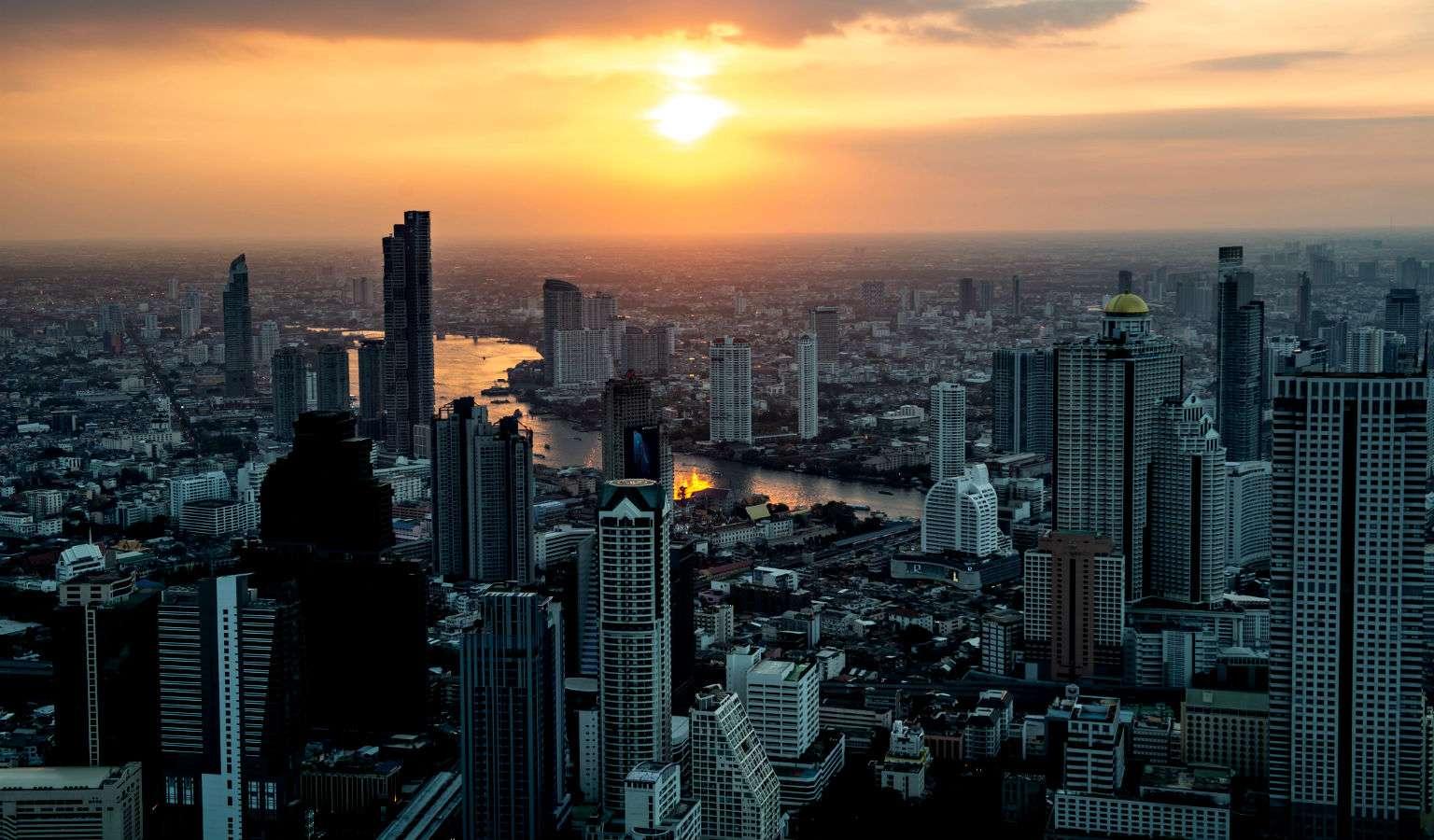 Zonsondergang Mahanakhon SkyWalk Bangkok