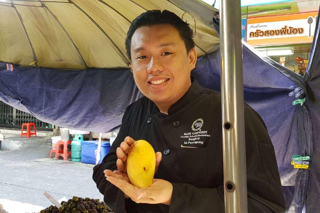 Onze chef op de Bang Rak Markt in Bangkok