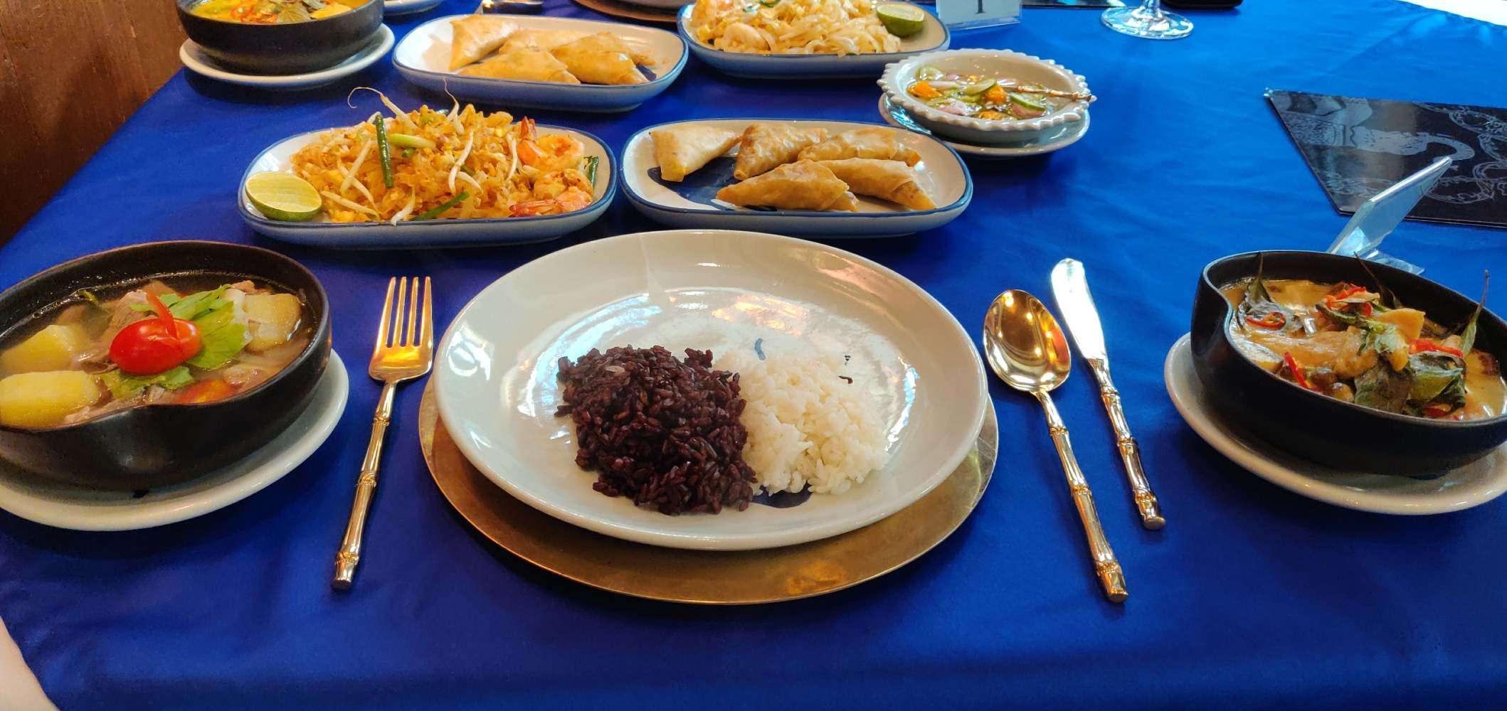 Onze gekookte maaltijden bij de Blue Elephant kookschool in Bangkok