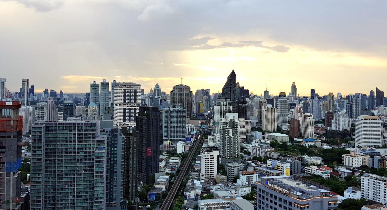 UIzicht over Bangkok vanaf Octave Rooftop Lounge & Bar