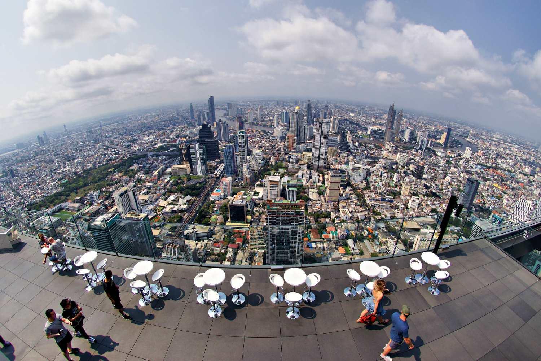 Uitzicht vanaf de Mahanakhon SkyWalk in Bangkok