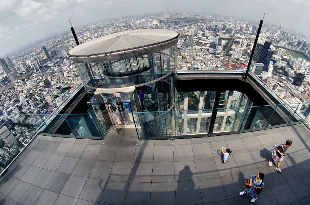 Glazen lift Mahanakhon SkyWalk Bangkok