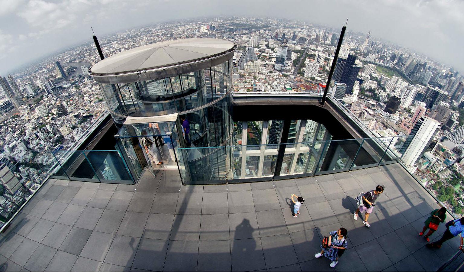 Glazen lift Mahanakhon SkyWalk Bangkok