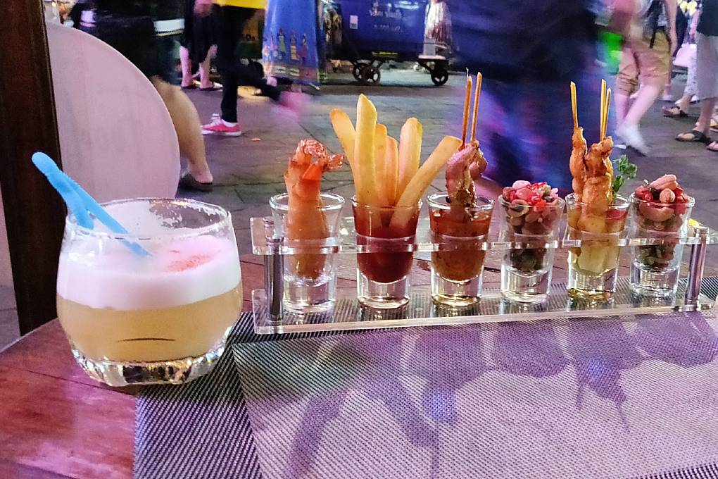 snack & cocktail @ Tom Yum